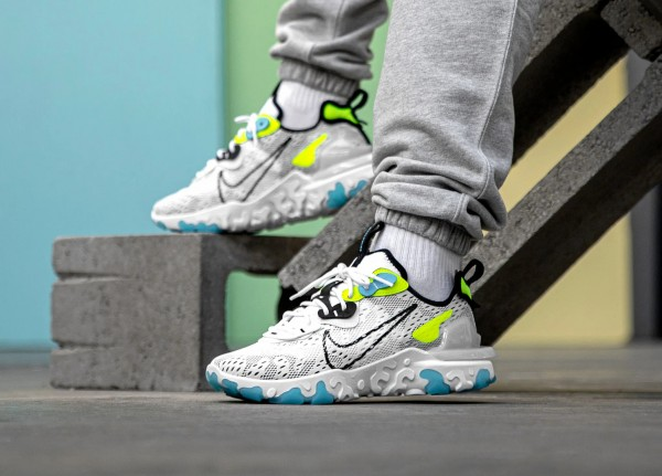 CT2927-100 Nike React Vision *Worldwide Pack* Scarpe - Bianche/Nere-Volt/Blu