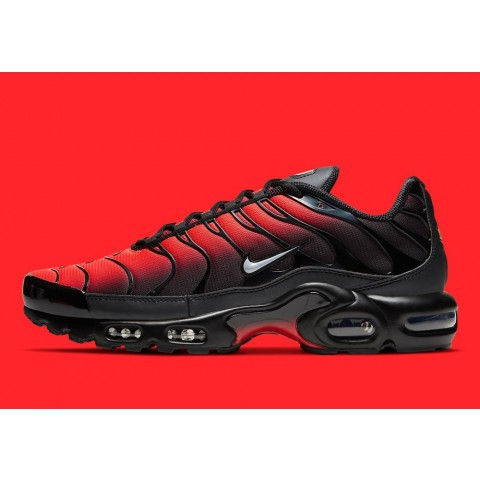 "DC1936-001 Nike Air Max Plus ""Deadpool"" Scarpe - Nere/Rosse"